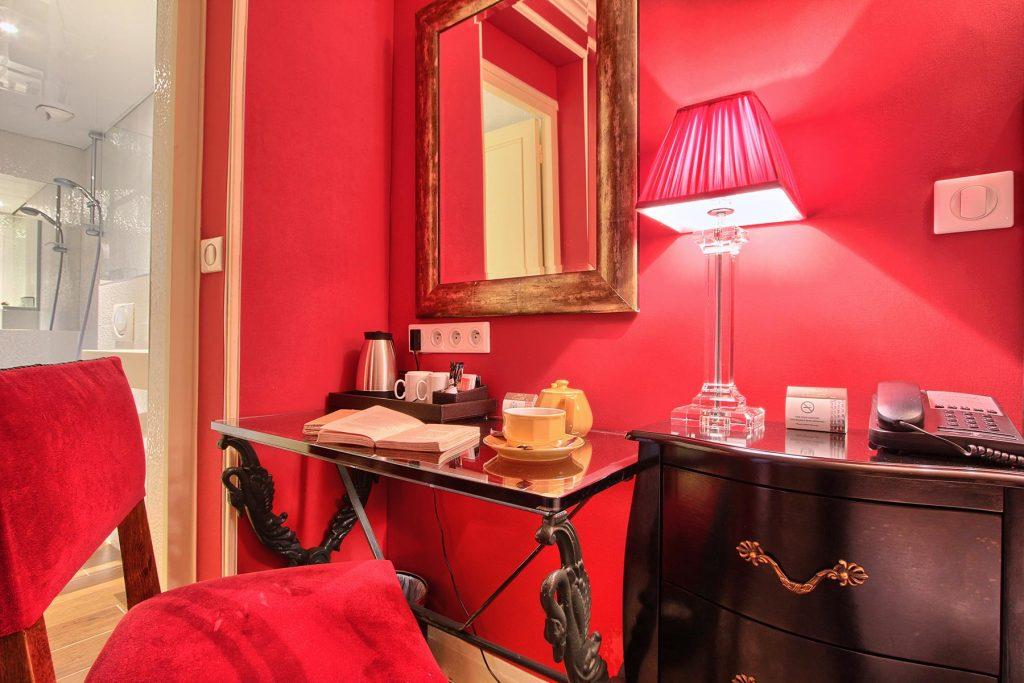 Chambre double sans ascenseur hotel des 2 Continents Paris