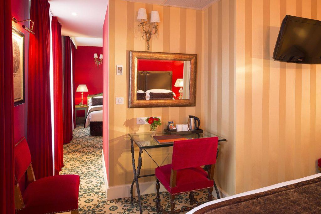 Chambre familiale hotel des 2 Continents Paris