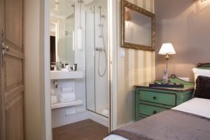 Book a hotel near Montparnasse train station in Paris